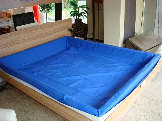 wasserbetten aufbau inkl bettrahmen schlafoase h nig. Black Bedroom Furniture Sets. Home Design Ideas